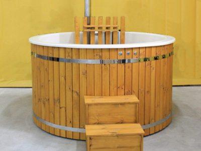 Bain nordique en bois épicéa avec intérieure en fibre de verre