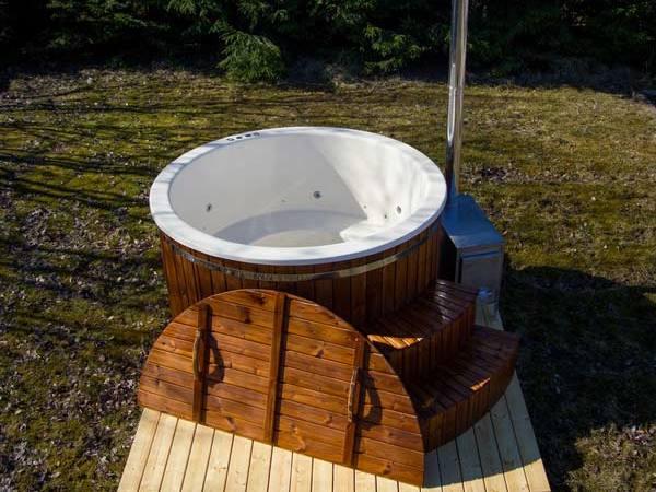 hot tub plastic bain nordique plastique 1 1 forest spa. Black Bedroom Furniture Sets. Home Design Ideas