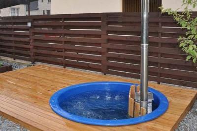Hot-tub-wooden_bain-nordique-en-bois