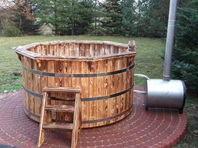 Hot-tub-wooden_bain-nordique-en-bois