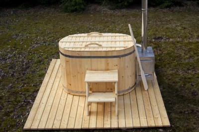 Small hot tub - ofuro