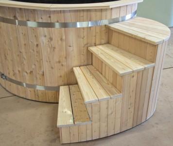 Hot-tub-stairs_bain-nordique-escalier