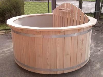 Hot-tub-plastic_bain-nordique-plastique