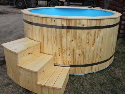 Bain nordique en bois Épicéa avec intérieur en plastique
