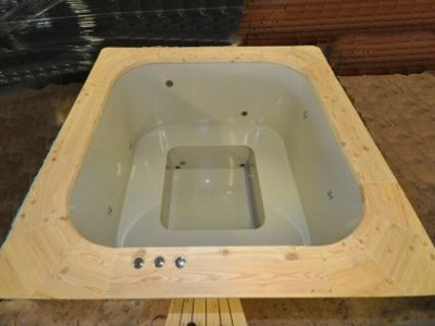 Hot-tub_rectangular_bain-nordique