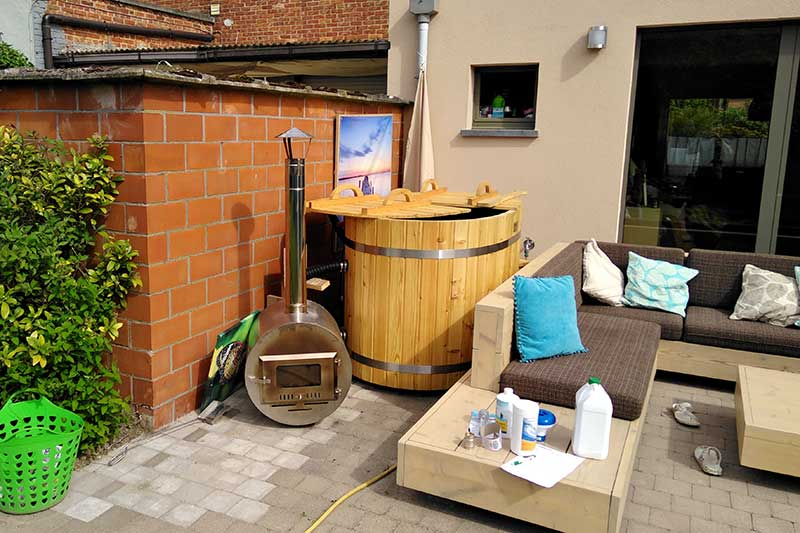 petit bain japonais ofuro forest spa. Black Bedroom Furniture Sets. Home Design Ideas