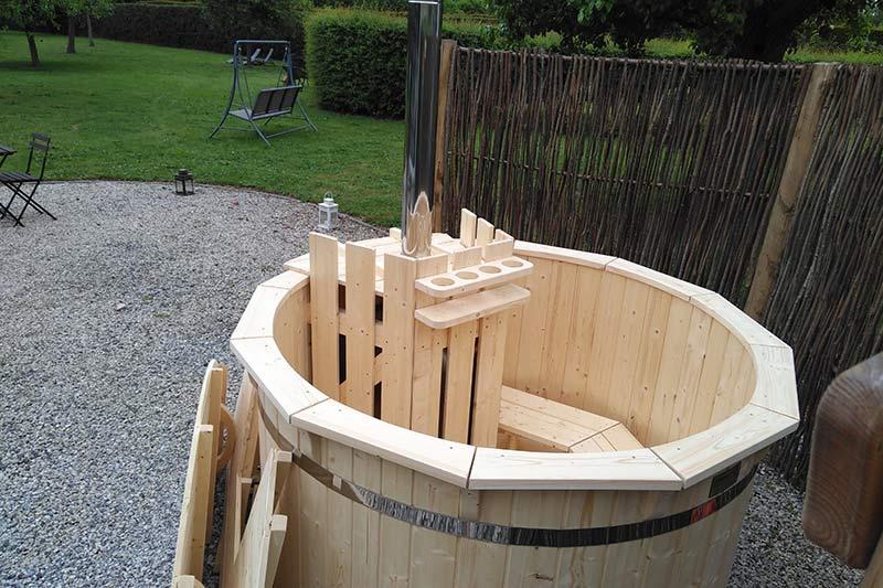bain nordique en bois forest spa. Black Bedroom Furniture Sets. Home Design Ideas