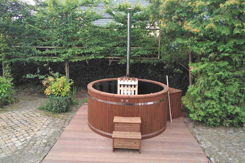 bain nordique en plastique forest spa. Black Bedroom Furniture Sets. Home Design Ideas