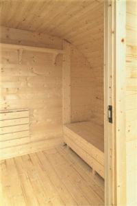 Sauna-ovale-en-bois